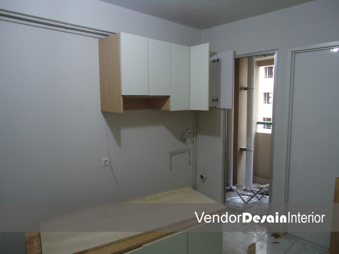 Progress Pengerjaan Design Interior Apartemen Kelapa Gading Jakarta Lemari Atas Dapur